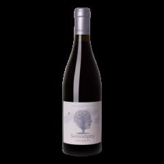 Fles rode wijn Serendipity Pinot Noir